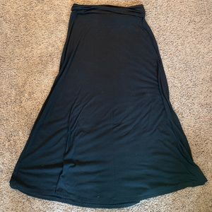 Black Mossimo maxi skirt